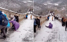 """Cảnh tượng kinh hoàng tại Vạn Lý Trường Thành của Trung Quốc vào mùa đông, du khách đến một lần là """"tởn tới già"""" vì lý do này"""