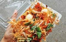 Ăn bánh tráng trộn trước cổng trường, 6 người nhập viện cấp cứu