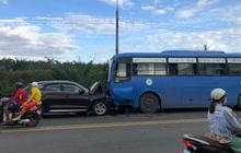 Đồng Nai: Xế hộp Audi nát đầu khi tông trực diện xe buýt, nhiều hàng khách la hét kêu cứu