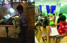 Cậu bé mặc áo đồng phục bán bắp luộc trên đường phố Sài Gòn đã đi học được 1 tuần
