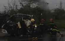 Xe đầu kéo tông xe tải dừng đèn đỏ ở Quảng Nam, 1 người chết