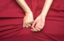 """Nam giới nên sửa ngay 4 hành vi khi """"lâm trận"""" dễ gây tổn thương tới tử cung của chị em phụ nữ"""