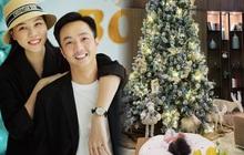 """Mùa Giáng sinh của con gái Cường Đô La - Đàm Thu Trang: """"Chill"""" sương sương dưới cây thông khủng trong biệt thự triệu đô!"""