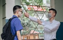 Gần 80.000 sinh viên TP.HCM nghỉ học vì tiếp xúc gần với nam tiếp viên và GV Tiếng Anh nhiễm Covid-19