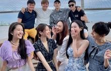 Bức ảnh hội tụ 2 cặp đôi tin đồn hot Vbiz: Will - Linh Ka, Jun Vũ và chàng nhiếp ảnh, đẹp đôi nhưng chẳng chịu công khai?