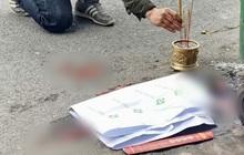 Hà Nội: Thương tâm thai nhi 8 tháng tuổi bị vứt cạnh thùng rác trên đường