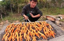 """Con trai Bà Tân Vlog trở lại với món chân gà nướng sốt siêu cay nhưng tiếp tục bị dân mạng """"ném đá"""" khi soi được chi tiết vô lý này"""