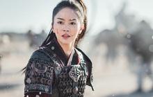 """Kim So Hyun đúng chuẩn """"công chúa chiến binh"""", mặt bê bết máu ở bom tấn sử thi với Ji Soo"""