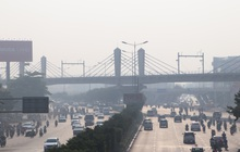 Chùm ảnh: Bụi mờ mù mịt bủa vây Sài Gòn, báo động ô nhiễm không khí trong những ngày cuối năm