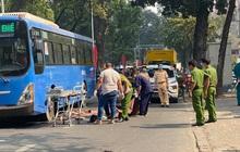 TP.HCM: Đi bộ qua đường, người phụ nữ bán vé số bị xe buýt cán chết thương tâm