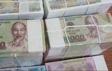 """Mất trắng khi đổi tiền lẻ, tiền mới """"ngoài luồng"""""""