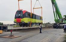 Mở cửa cho người dân tham quan đoàn tàu đường sắt đô thị Nhổn - ga Hà Nội