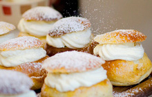 Có một loại bánh kem thơm ngon đến mức khiến vua Thuỵ Điển… qua đời vì ăn nó, người dân thì vẫn rất yêu thích sau đó