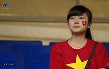 Nữ sinh khóc nức nở khi đội tuyển Việt Nam thua trận, ai ngờ khoảnh khắc chụp lén lại thay đổi cuộc đời ngoạn mục
