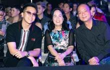 Matt Liu tháp tùng bố mẹ Hương Giang đến cổ vũ đêm Chung kết Đại Sứ Hoàn Mỹ