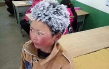 """Cậu bé """"đóng băng"""" chụp trong lớp học ngày ấy: Giờ cao lớn và cuộc đời sang trang, tiết lộ dự định sắp tới khiến ai cũng phải trầm trồ"""