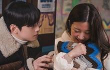 """Người yêu buồn vì lộ """"hàng nóng"""", Cha Eun Woo nhiệt tình dỗ nàng ở True Beauty"""