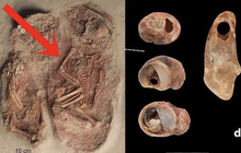 Phát hiện 2 bộ hài cốt em bé nhỏ xíu nhuốm màu đỏ máu, các nhà khoa học sửng sốt khi biết câu chuyện sinh đôi cùng trứng từ 30.000 năm trước