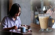 Ảnh: Sau bát phở nóng hổi, người Hà Nội thảnh thơi nhâm nhi cà phê, ngắm nhìn Thủ đô đang mùa đẹp nhất