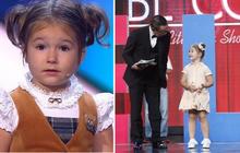 """Cô bé thần đồng nổi tiếng khắp thế giới, 4 tuổi """"bắn"""" lưu loát 7 thứ tiếng, từng trò chuyện cùng MC Lại Văn Sâm 4 năm trước giờ ra sao?"""