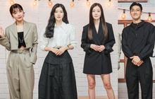 Idol - diễn viên đối đầu ở sự kiện: Bạn gái Lee Kwang Soo và Eunji so kè eo bé tí, nhưng đành chào thua đôi chân của 1 mỹ nhân