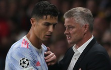 """Trực tiếp Leicester vs MU: Ronaldo đưa ra """"tối hậu thư"""" cho Solskjaer"""