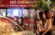 Sài Gòn đang khỏe lại: Mọi người nô nức đi dạo trung tâm thành phố ngày cuối tuần