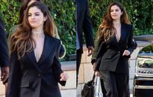 """Selena Gomez đi đường thôi cũng có ảnh """"huyền thoại"""": Đẹp gì chấp cả ảnh mờ nhoè, nhưng dân tình dán mắt vào vòng 1 căng tràn"""