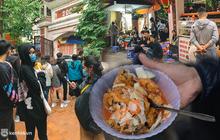 Choáng váng trước cảnh tượng ở hàng bánh rán mặn hot bậc nhất Hà Nội, khi hết bánh mà vẫn có gần 20 khách... chờ mua