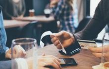 """Mời sếp đi ăn, ai ngờ bị sếp """"dắt mũi"""" rủ bạn bè kéo đến nhà hàng đắt tiền, tôi nên làm thế nào?"""