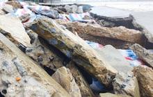 Cận cảnh kè biển tiền tỷ ở Nghệ An bị sóng đánh vỡ nát sau bão