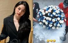 """Người yêu đại gia tặng hoa Linh Ngọc Đàm mừng 20/10, đúng chuẩn """"hoa của người giàu"""": 2 người khiêng, 1 người nhận mà vạn người mê!"""