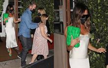 """Vợ chồng David Beckham dẫn ái nữ đi ăn tối: Victoria """"thả rông"""" vòng 1, Harper lại bị netizen kém duyên chê vì 1 yếu tố"""