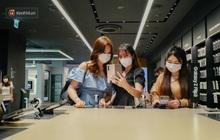 Không khí tấp nập trải nghiệm công nghệ đỉnh cao tại Samsung 68 ngày mở cửa