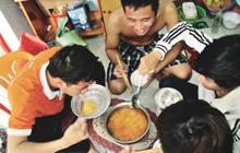 Bên cạnh việc giúp làm no bụng, mì ăn liền còn tạo ra những khoảnh khắc hạnh phúc mà nhiều người trong chúng ta không nghĩ đến!