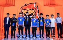 """Vừa """"đổi đời"""", Suning/Weibo đã âm thầm gia hạn hợp đồng toàn đội hình, SofM sẽ ở lại"""