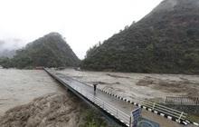 Lũ lụt, lở đất ở Ấn Độ và Nepal: Số nạn nhân thiệt mạng tăng lên ít nhất 180 người