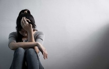 Nữ sinh lớp 12 cắt tay vì áp lực học trực tuyến, sợ hãi vì kỳ vọng