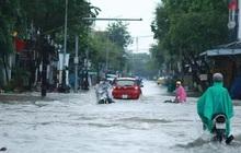 Quảng Ngãi: Mưa như trút nước, lũ lên nhanh làm nhiều nơi ngập nặng