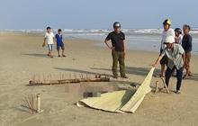 Thi thể người đàn ông đang phân hủy, trôi dạt vào bờ biển