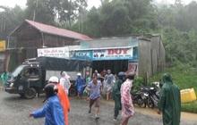 Sạt lở núi sau tiếng nổ lớn, nhiều hộ dân ở huyện miền núi Quảng Nam hốt hoảng bỏ chạy