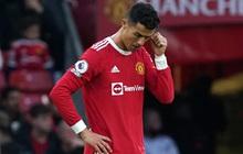 """Trực tiếp MU 0-5 Liverpool (H2): Nghiệt ngã cho Ronaldo và """"Quỷ đỏ"""", hy vọng mong manh tan biến bởi VAR"""
