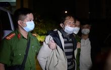 Ảnh: Cận cảnh di lý nghi phạm sát hại bố mẹ và em gái về tới Công an Bắc Giang