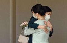 """Điều ít biết về nhân vật được Công chúa Mako nghẹn ngào ôm chặt trước khi """"theo chồng về dinh"""""""