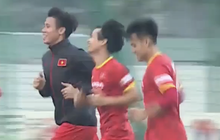 Quế Ngọc Hải mặc áo khoác ép cân, đội tuyển Việt Nam tập trung giải phỏng sức ỳ