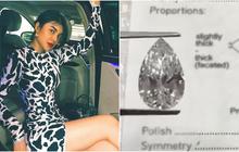"""Mỹ nhân """"chung"""" xe với Ngọc Trinh khoe viên kim cương hơn 1 triệu đô, danh tính người tặng gây bất ngờ"""