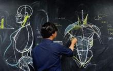 """Thầy giáo vẽ tranh cơ thể người siêu chi tiết, nhưng học trò chỉ chăm chú nhìn vào chiếc quần """"bạn mẫu"""" thầy mang đến"""