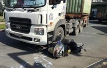 TP.HCM: Người phụ nữ bị xe container kéo lê, tử vong trên đường đi làm