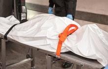 """Hy hữu trong 30 năm, nhân viên nhà tang lễ phát hiện """"người chết"""" đang thở"""
