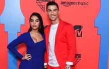 HOT: Ronaldo thông báo bạn gái Georgina đang mang song thai, MXH lập tức nổ tung